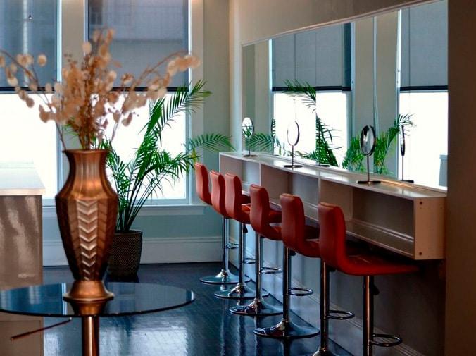 Los espejos en los salones de belleza