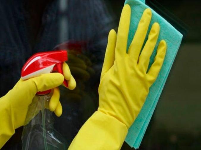 Soluciones caseras para limpiar el cristal